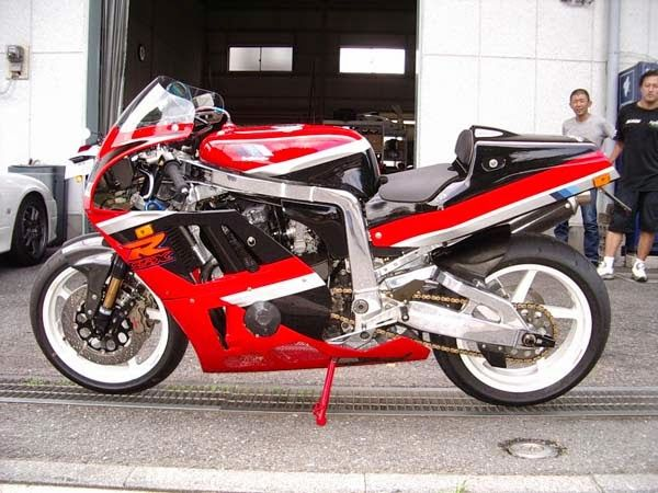 Planet Japan Blog: Suzuki GSX-R 1100 Special #5 by Bright Logic