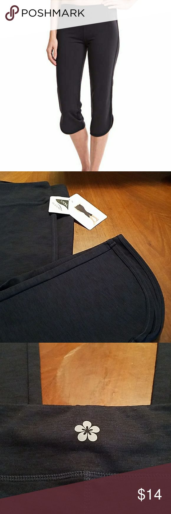 Tuff Athletics Lycra legging/workout capris, Med. Tuff Athletics Lycra legging/workout capris, Navy Blue, size Medium  Same / Next Day Shipping 📦 Smoke-free home 🏠  Bundle items, great savings 💲 Free sample / gift with every purchase 🎁 And thanks for stopping by  to browse and hopefully shop my closet 💄💍👢👗👙🛍 Tuff Athletics Pants Leggings