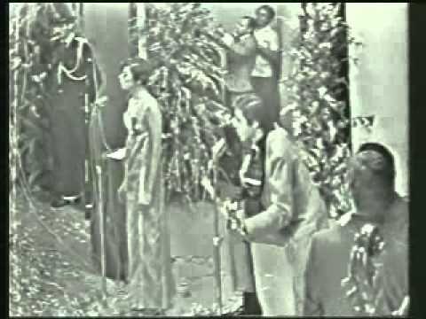 """Marilia Medalha e Edu Lobo cantando """"Ponteio"""" no festival de música popular da record em 1967. """"O FESTIVAL DA VIRADA"""" Local: Teatro Paramount Data: Outubro 1967 Prêmio Sabiá de Ouro Classificação: 1º Lugar: Ponteio (Edu Lobo e Capinam) - Intérpretes: E..."""