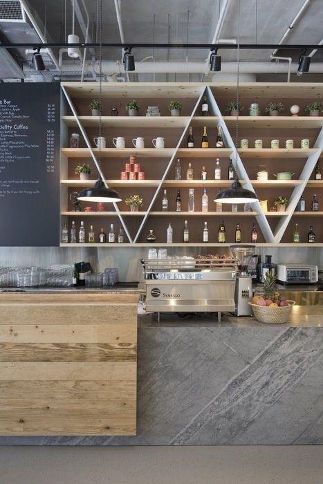 restaurant / bar design combinação de materiais no balcão: madeira e mármore