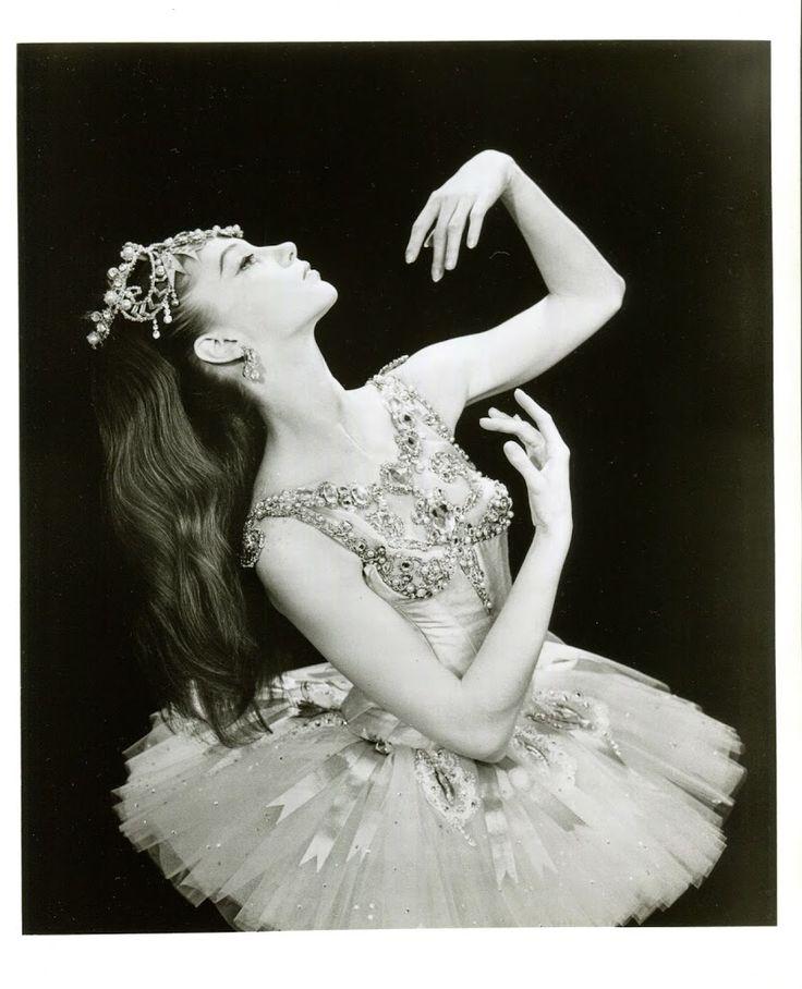 Laura Tisserand on Suzanne Farrell   Pacific Northwest Ballet. #Ballet_beautie #sur_les_pointes *Ballet_beautie, sur les pointes !*