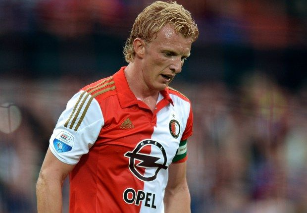 Kuyt signs new Feyenoord deal