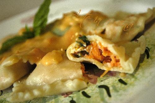 Ravioli zucca e profumo di basilico , ricetta facile ravioli ripieni di zucca, ravioli profumati, pasta fatta in casa