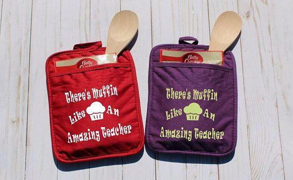 Back to School Gift, Potholder Teacher Appreciation, End of Year Teacher Gift, Oven Mitt Principal, Best Teacher Present, Thank You Gift #teacherpresent #teachergifts #girlscouts #christmaspresentforteacher #teacherchristmaspresent #endofyearteachergift #teacherthankyougift #potholder #ovenmitt #teacherappreciation #teacherappreciationgifts #teacherappreciationweek