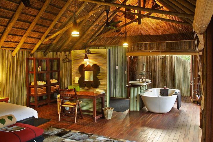 African Lodge Bathroom
