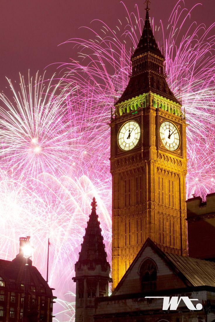 Pesta kembang api selalu menjadi simbol malam pergantian tahun baru, seperti di banyak kota lainnya, London juga menjadi tempat terbaik untuk menyaksikan langit yang penuh warna ini. Tepatnya di Westminster yang merupakan jantung kota London, Inggris. Disekitaran Sungai Thames, London Eye, dan Big Ben yang menjadi ikon kota London. Pesta perayaan pergantian tahun di London adalah pesta paling menakjubkan untuk mengawali tahun baru Anda.