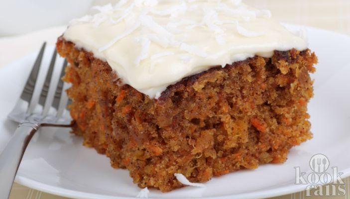 Hmmm.. Deze worteltjestaart is makkelijk én lekker! Zoetigheid, wij houden ervan. Koekjes, cake, chocolade en niet te vergeten, taart! Jammer alleen dat er zo vreselijk veel suiker en calorieën in zitten...  Nee hoor, dat hoeft lang niet altijd. Wij hebben hier een heerlijk recept voor je waar na