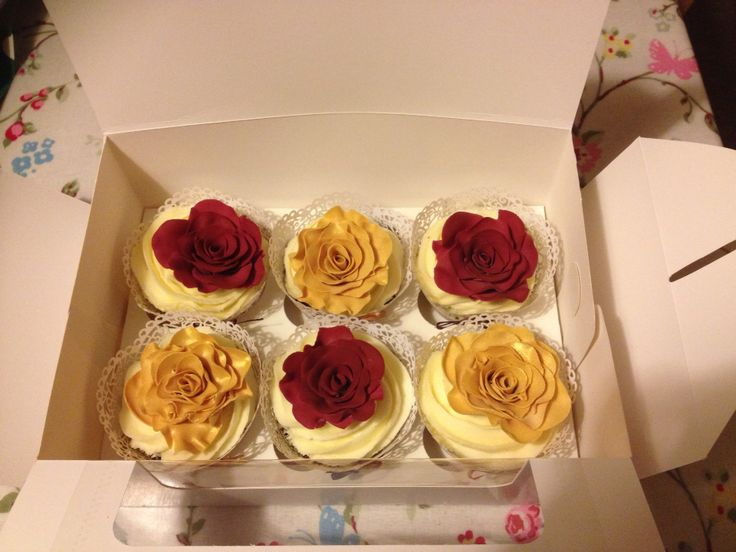 Amy and David anniversary cupcakes x
