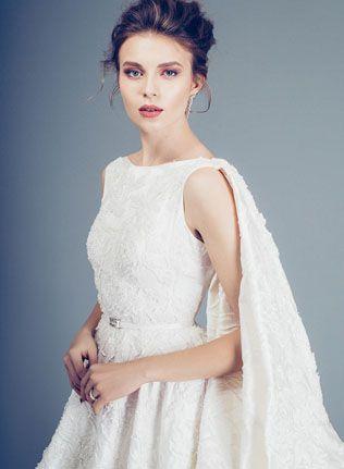 Ангельские шлейфы: 20 свадебных образов - The-wedding.ru