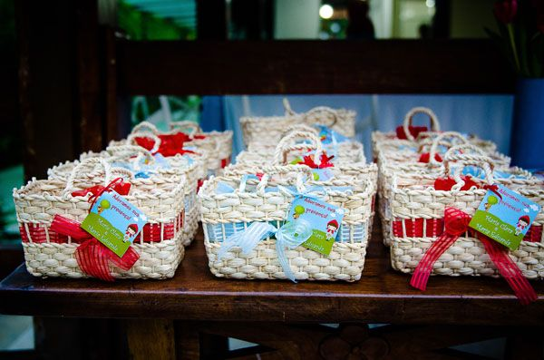 little red riding hood - baskets for the guests