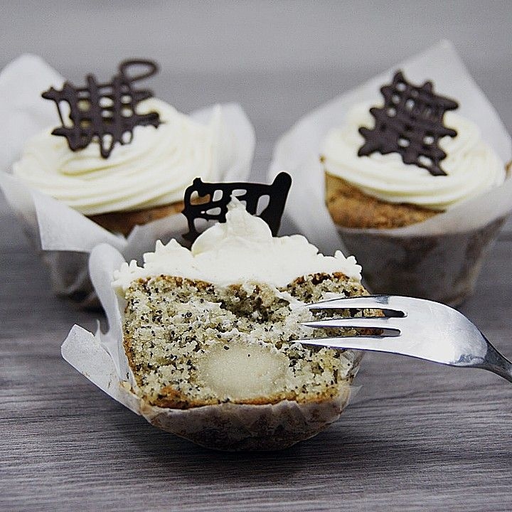 Marzipan-Mohn Cupcakes