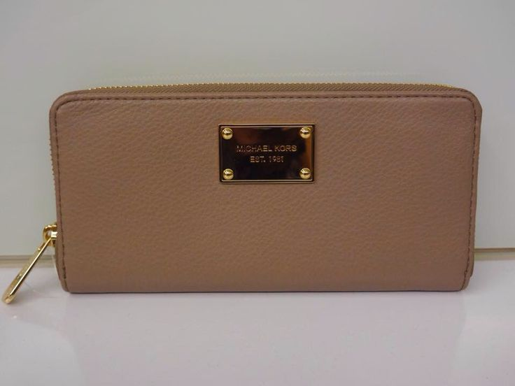 Michael Kors Jet Set Item ZA Continental Leather Wallet
