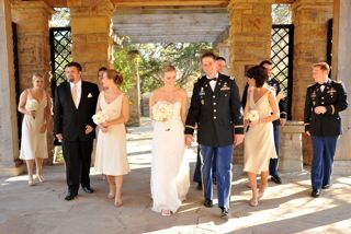 Navy and gold colors for Army dress blues wedding