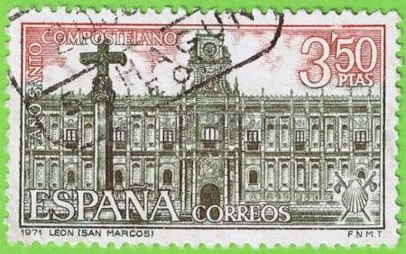 Utiliza sello y matasellos 1971 San Marcos Leon Espa�a Conmemorativo A�o Santo Compostelano Valor facial 3 50 pesetas Publicado por la Fabrica Nacional de Moneda y timbre photo