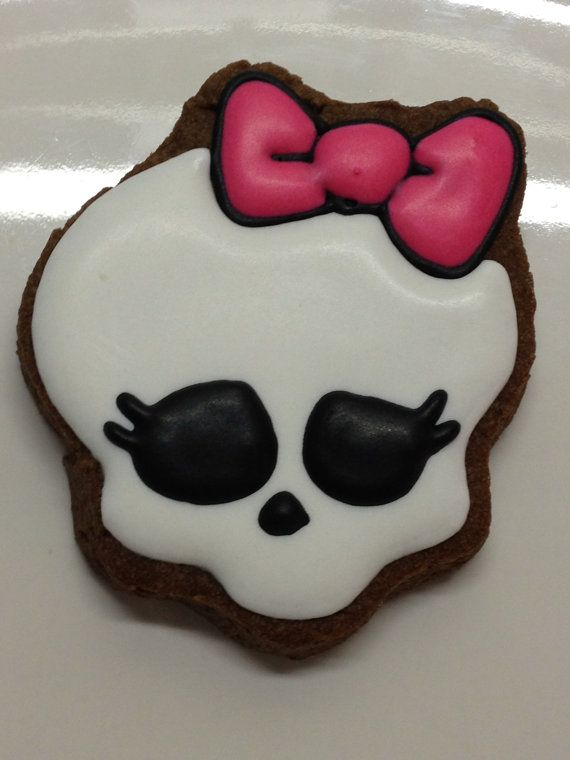 Hey, I found this really awesome Etsy listing at http://www.etsy.com/listing/89781197/monster-skull-cookies