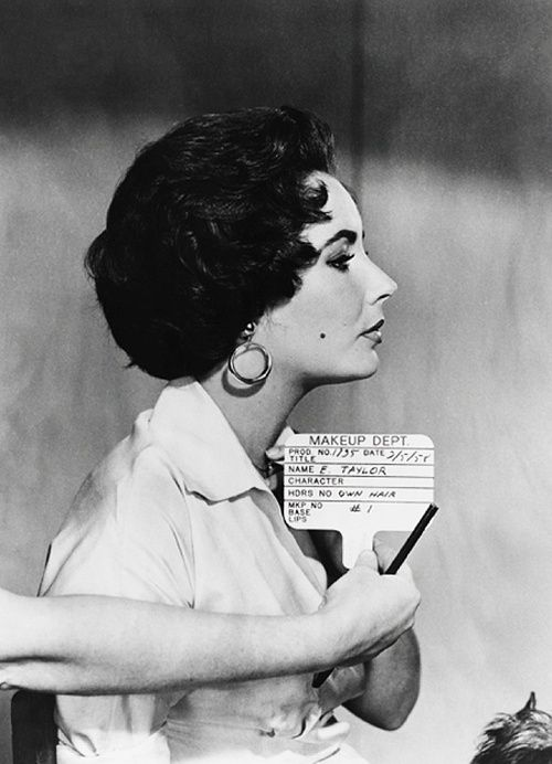 Elizabeth Taylor hair test for 'Cat on a Hot Tin Roof' 1958. Unknown photographer. I am not the author of this image. More on Facebook. Check…