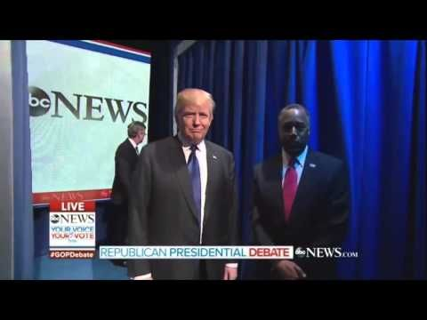 Ben Carson's Cringe-Inducing Entrance During Tonight's Republican Debate in New Hampshire - DailyPicdump