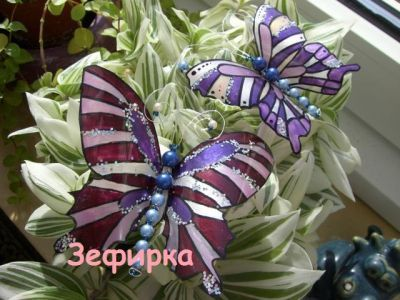farfalle in pet e smalto unghie in disuso...