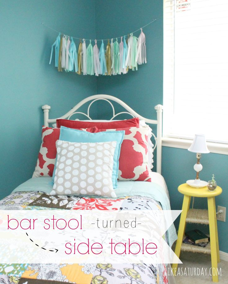 A bar stool turned into a side table for a guest room.Tables Repurposing, Barstools, Side Tables, Festivals Spaces, S'Mores Bar, Bar Stools, Guest Rooms, Bedrooms Ideas, Bedroom Ideas