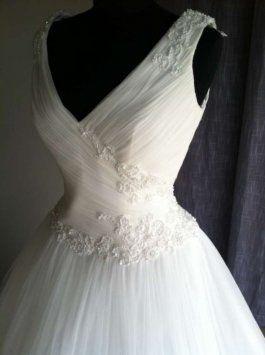 Pronovias Factor Wedding Dress 50% off retail