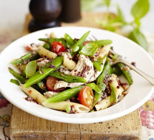 Tapenade chicken pasta with runner beans