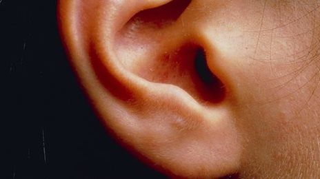 Inner ear disorders 'linked to hyperactivity ' nner-ear problems could be a cause of hyperactive behaviour, research suggests.  A study on mice, published in Science, said such problems caused changes in the brain that led to hyperactivity.  It could lead to the development of new targets for behaviour disorder treatments, the US team says.