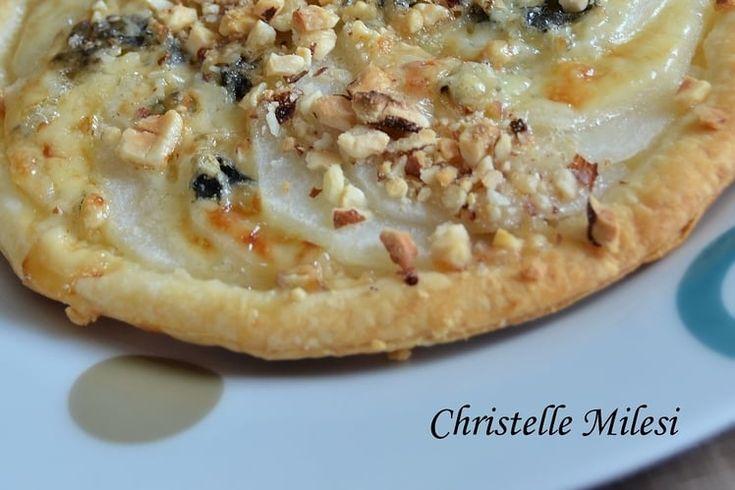 Tartelette fine aux poires, noisettes et Saint Agur