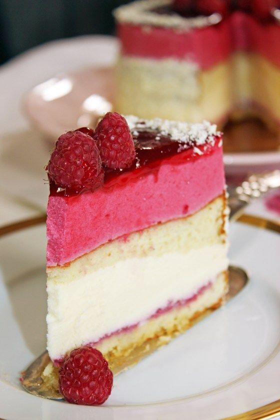 Raspberry - White Chocolate Cake // Himbeertorte mit weißer Schokomousse