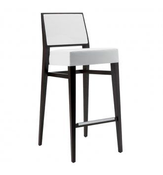 Pub Furniture |Contract bar stools manufacturers and supplier