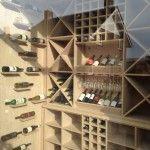 Wij maken ook meubels op maat voor bijvoorbeeld wachtkamers, een inloopkast of een wijnkast.