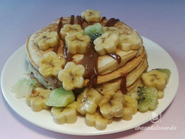 Desayuno de domingo: Tortitas con fruta y dulce de leche