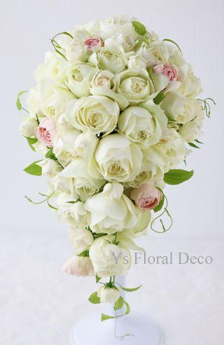 ころんと丸いカップ咲のバラのキャスケードブーケ ys floral deco  @ホテル椿山荘