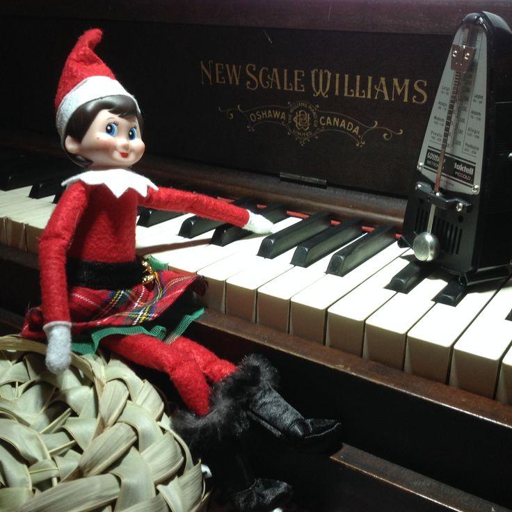 20 décembre: Ce matin, nous nous sommes réveillés à de la belle musique de piano que nous jouait notre petit Flocon! Quel virtuose!!