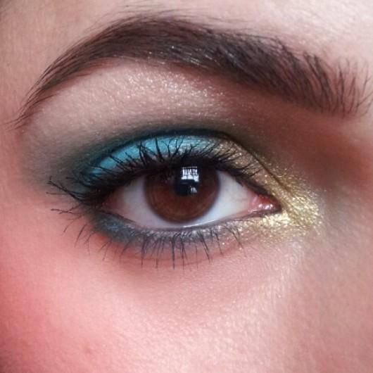 Gorgeous eye makeup with Moodstruck Mineral Pigment powders!  Click the pin to order your own today!