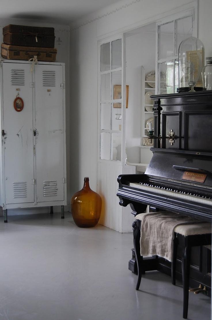 Piano Ideas, Piano Hvítur, White Lacquer, Ahhh White, White Lockers, Blog, Black Beautiful, Black Piano, 3Rd Room
