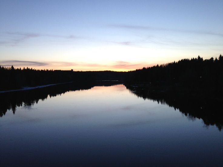 Abendsonne am Fluss #Kymijoki in #Kouvola, Finnland