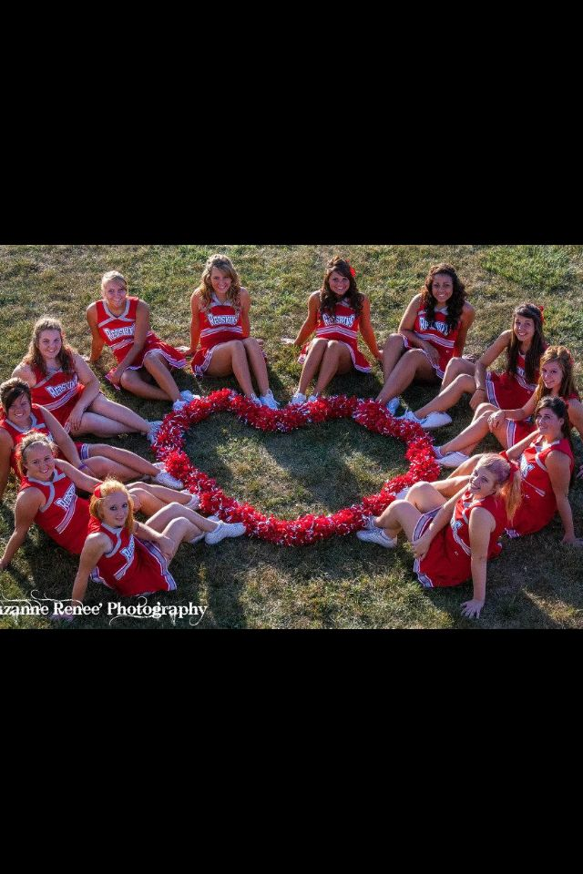 Cheer team photo https://twitter.com/NeilVenketramen