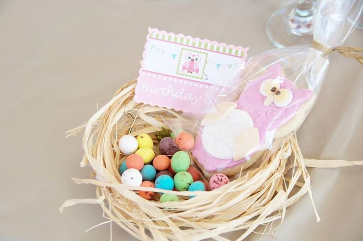 Place cards - handmade nests with name tags