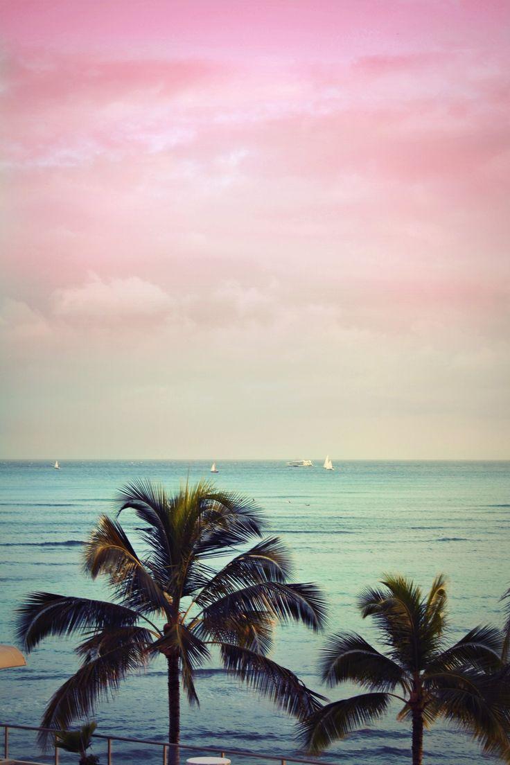 If this was my view every day life would be perfect utilisation de l'effet iridescent pour faire référence au ciel dégradé des tropiques