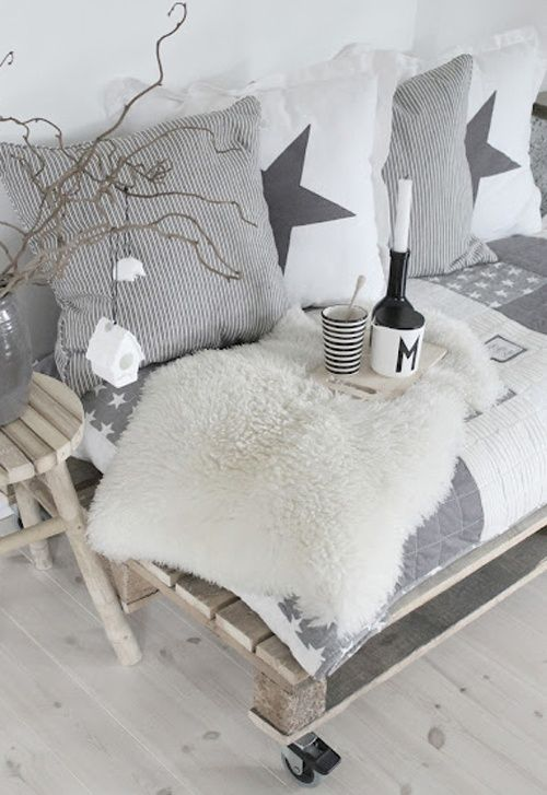 Grey and white Christmas? And whatever this palate couch thing on wheels is, think I need to make one...