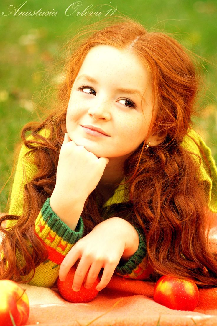 Pretty little redhead... I want a little mini-me like her one day lol.