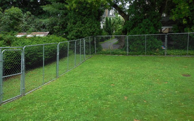 Diy How To Fence In Your Yard The Easy Amp More Affordable