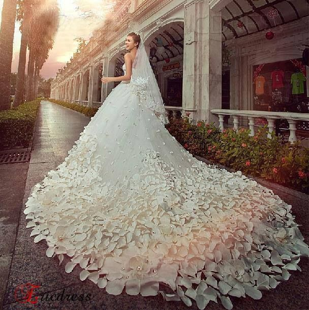 Awesome Bridal gown!