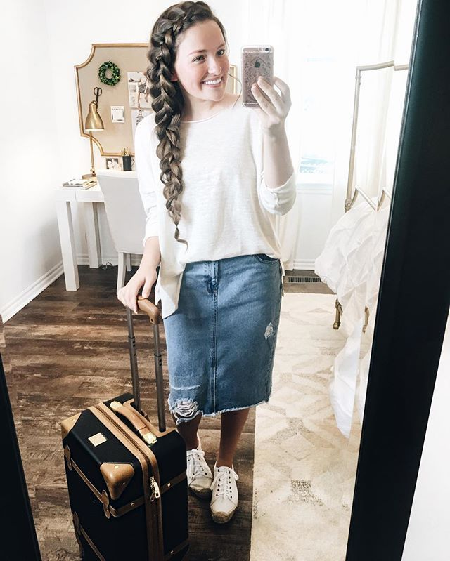 A short road trip calls for a comfy outfit and my hair OUT of my face. I love this linen sweater from @zarausa and of course my favorite @asos_us denim skirt! Also, I used a random generator and the winner for my previous post, the @dressitstore 'Leena' dress giveaway, is @apostolicamber! ✨ Congratulations! DM @dressitstore with your preference of color and size, along with your address, and they'll ship it your way! I hope you all are having a great Monday!