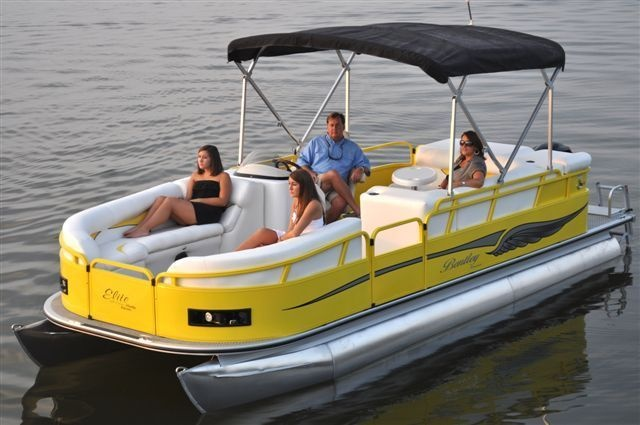New 2012 Bentley Pontoon Boats 203 Cruise Pontoon - Elite - Very Nice Yellow and White Seating Combo. Also, Included is the Bimini Top.