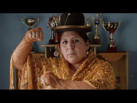 """Agência: Santa Clara Anunciante: LatinSpots Produto: Festival El Ojo de Iberoamérica Título: ChinChin. La CholitaLuchadora Versões: 2:50"""" VP de Criação: Fern..."""