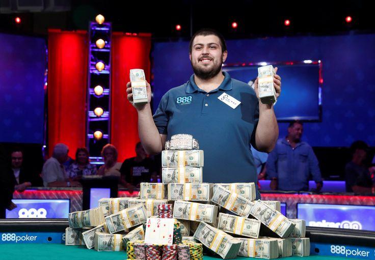 NJ man with accounting degree wins World Series of Poker, $8.1M - CBS News