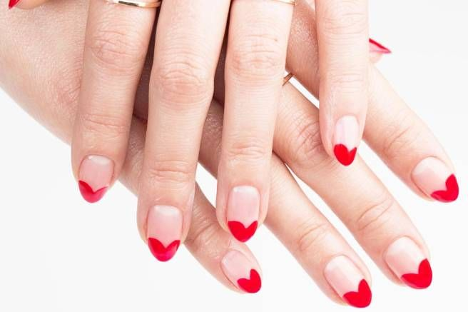 Cutest Valentine's Day nail art ever! What are your manicure plans?