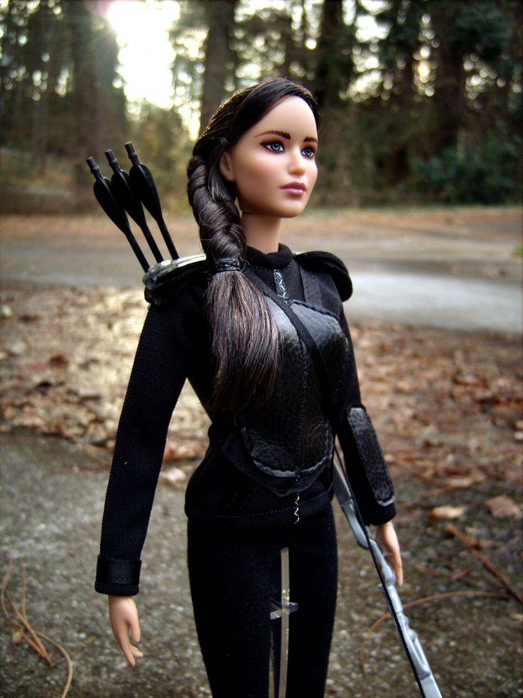katniss everdeen repaint barbie doll in mockingjay armor