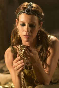 """Jessalyn Gilsig starred as Siggy, wife of Earl Haraldson in """"Vikings."""" In my opinion, when her character eased up on the black eyeliner, she became truly beautiful..."""